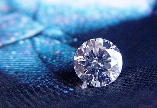 钻石一克拉多少钱 一克拉钻石有多大图片