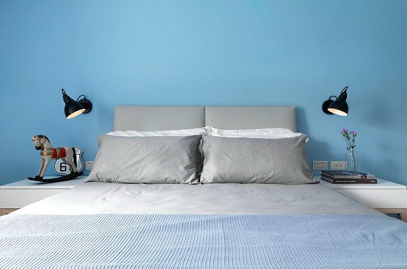 92平简约风格公寓卧室床头软包