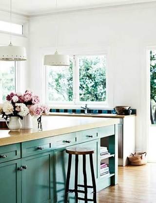 没有吊柜的厨房  10个收纳型厨房装修效果图5/10