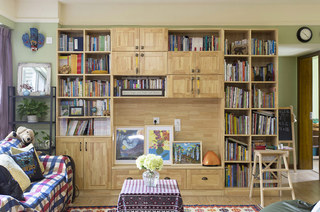 83平混搭风格装修客厅书柜效果图