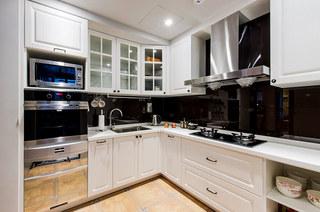 82平美式风格装修整体厨房装修
