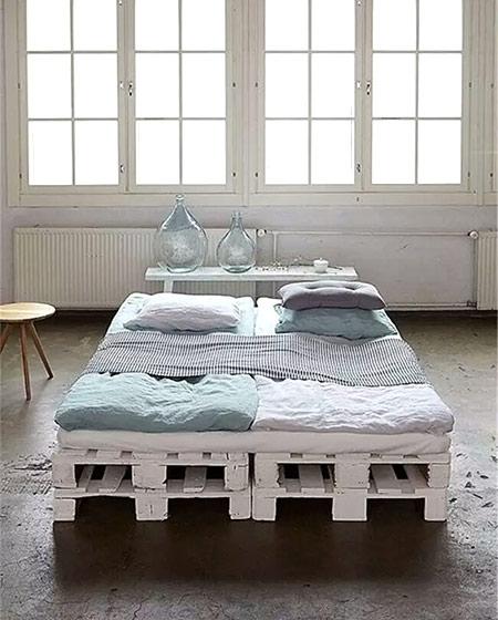 卧室木板床diy装饰图