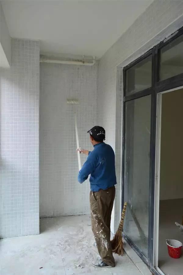 阳台墙面怎样装修好 阳台墙面刷什么漆好