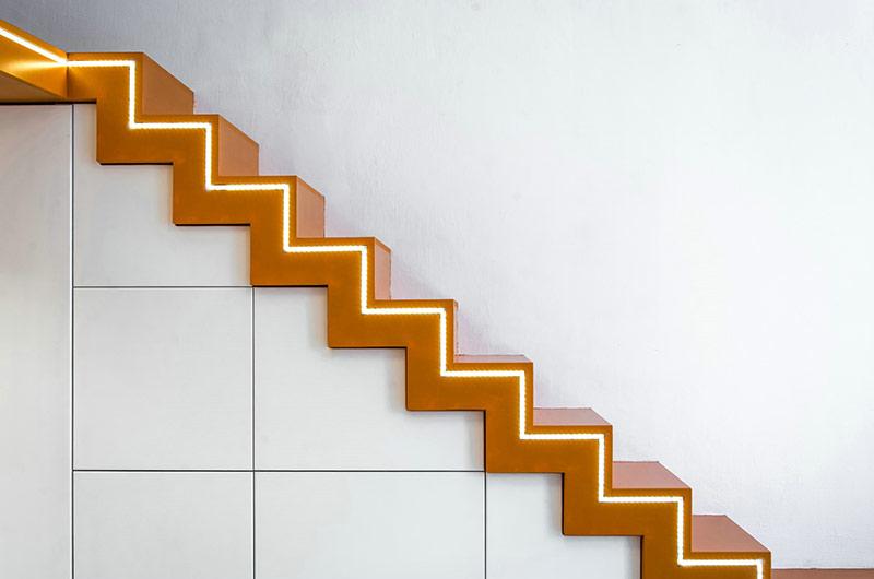 小户型loft公寓楼梯装修图