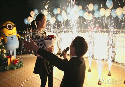 感动求婚的方法介绍 怎样的求婚方式成功率高