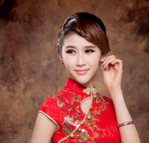 旗袍新娘装图片欣赏 旗袍搭配什么样的发型好看