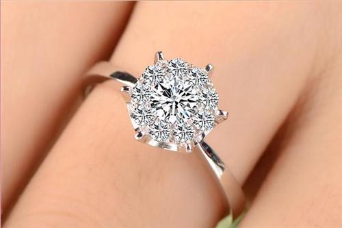 钻石戒指款式图片 如何挑选钻戒图片