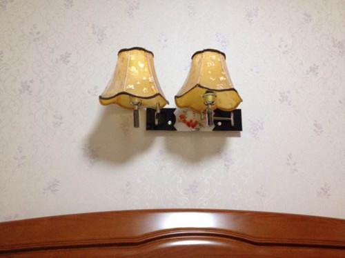 床头灯选购要点 床头灯安装注意事项