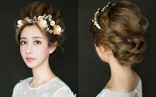 造型-3、刘海盘发高盘发发型   将你的刘海打造成一侧卷起的款式,大胆的图片