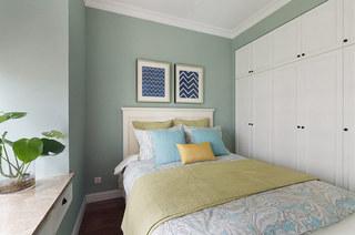 150平美式风格四居卧室衣柜图片