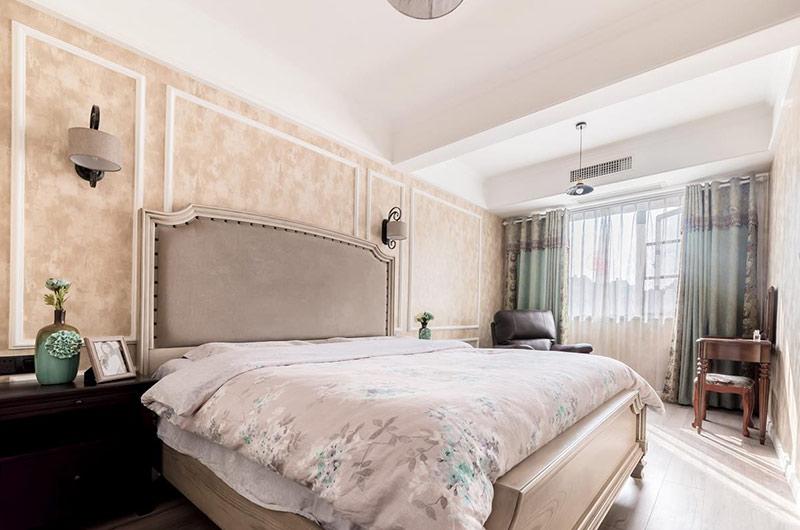 96平复式楼装修卧室床头软包