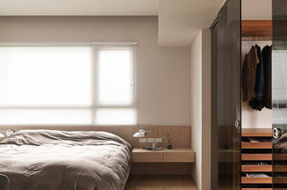 105平简约风格二居卧室带衣帽间设计