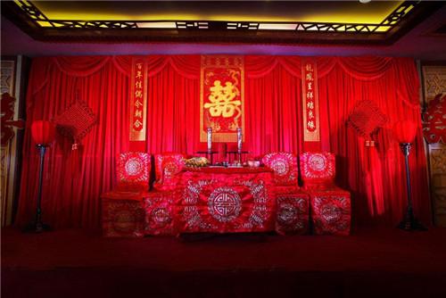 中式婚礼布置图片欣赏 中式婚礼现场怎样布置