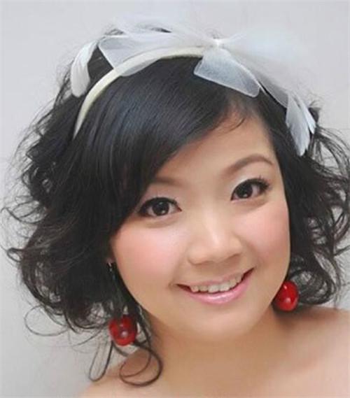 圆脸适合什么新娘发型