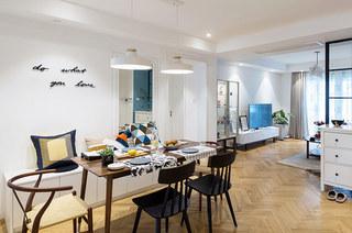 北欧风格三居室木质餐桌图片