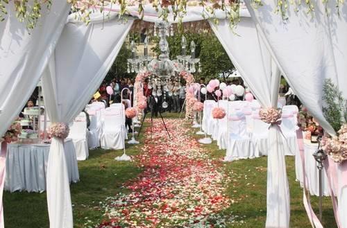 农村婚礼布置现场图片 农村户外婚礼布置攻略