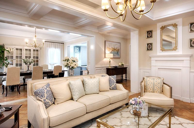 260平美式复式楼真皮沙发图片