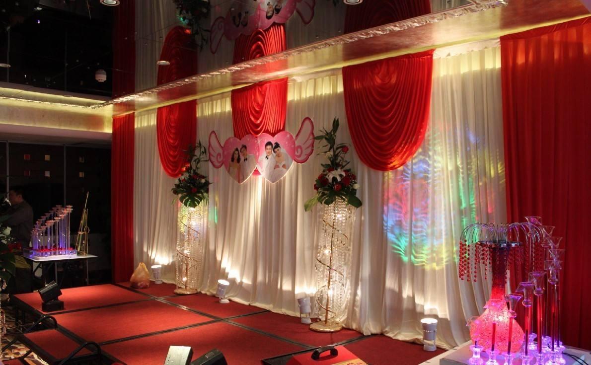 婚礼舞台背景设计效果图 2017婚礼舞台搭建技巧图片