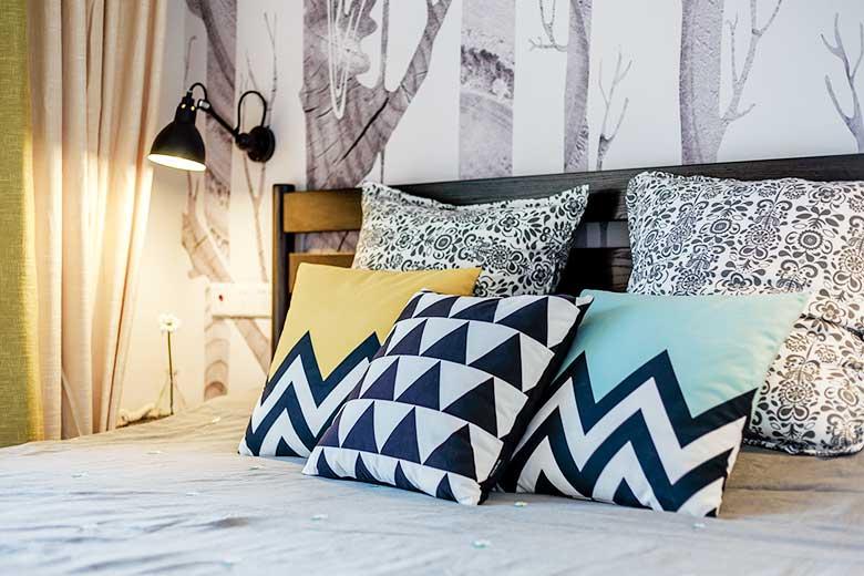 三居室床头抱枕平面图