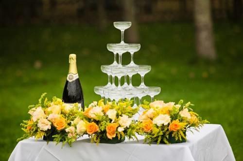 婚礼香槟塔图片2017 西式婚礼香槟塔如何摆放好
