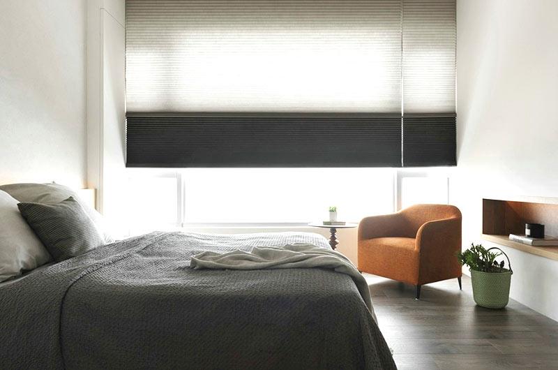 84平小复式装修卧室床品图片
