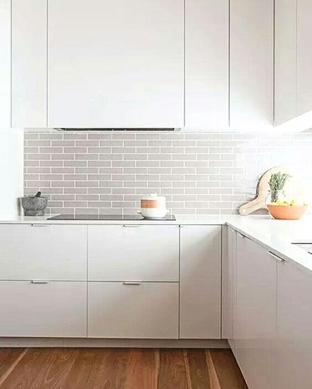 简洁装修白色厨房图片