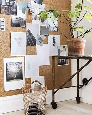 小书房装修软木照片墙