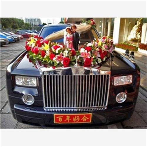 赣州婚车租赁一天要多少钱 1,劳斯莱斯幻影型号的婚车,现在市场价格