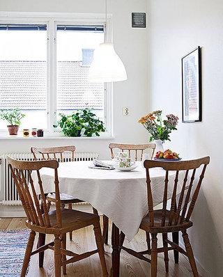 小户型餐厅桌布装饰图片