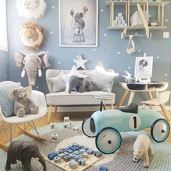 蓝色儿童房装饰品摆放图