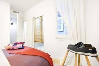 北欧风一居室卧室窗帘图