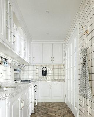 128平美式风格三居整体厨房装修