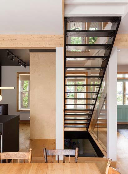 混搭复式公寓楼梯布置图