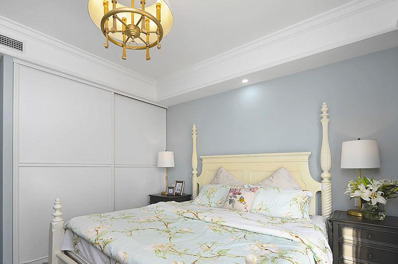 120平美式风格三居卧室衣柜图片