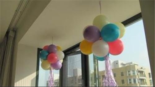 婚礼房间气球布置图片欣赏 打造18㎡浪漫气球婚房图片