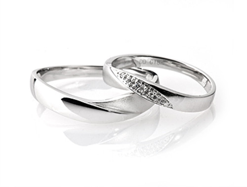 梵客雅宝对戒价格 解析男士戒指的戴法和意义图片