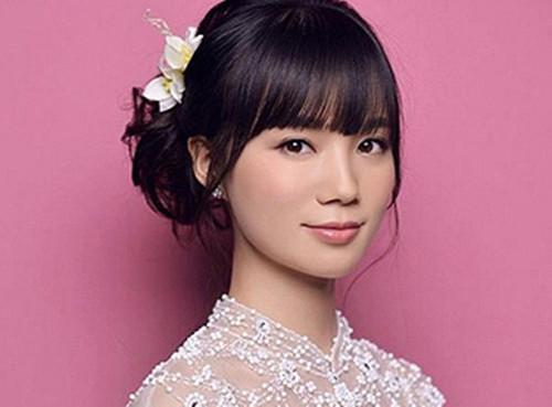 新娘晚宴发型图片欣赏 九款适合新娘敬酒的发型图片