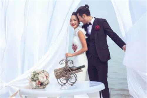 选婚纱店的注意事项_拍婚纱照选婚纱店的注意事项