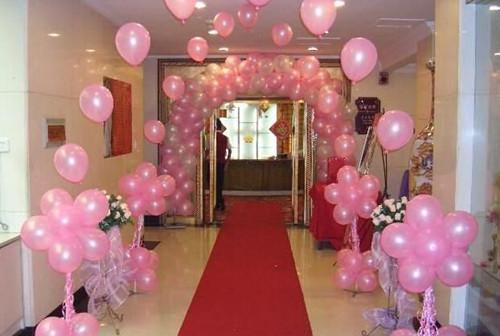 结婚楼梯气球布置图片 楼梯怎么呈现出婚礼气氛