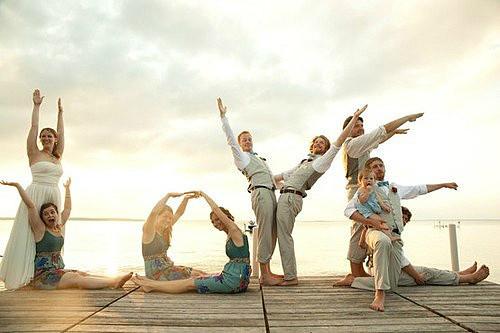 团体照拍摄姿势 怎样的拍摄姿势让照片更生动图片