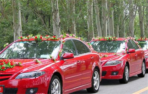 2017蚌埠婚车租赁价格一览表 1,宝马 3系 蚌埠市场报价:350元/天; 2