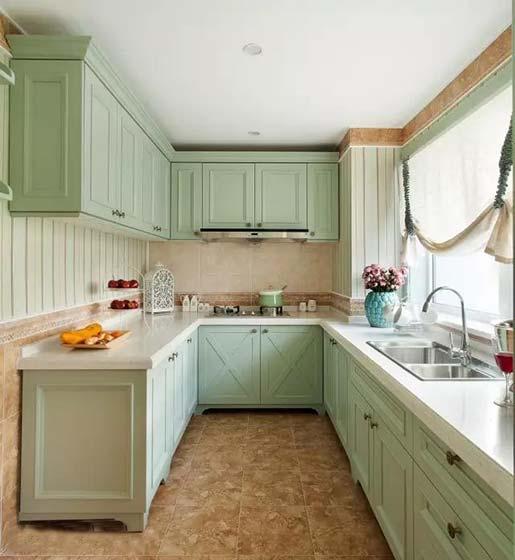 绿色系厨房装修欣赏图