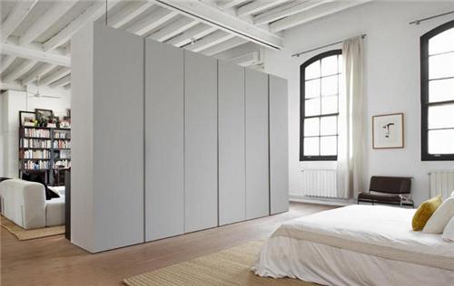 卧室隔断衣柜效果图巧用衣柜隔断让v卧室更精室内设计功能性与艺术性图片