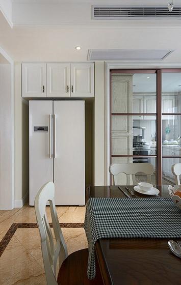 20万装简欧风格三居室实木餐桌图片