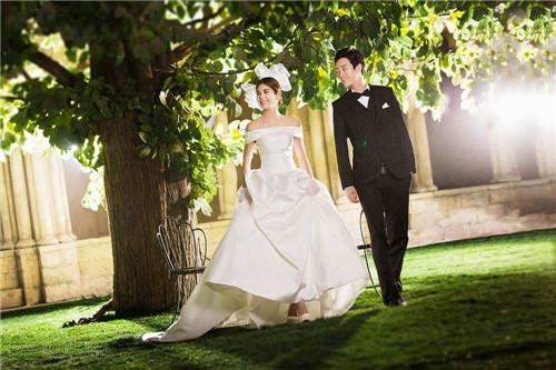2017婚纱照的各种风格 什么风格的婚纱照好看图片