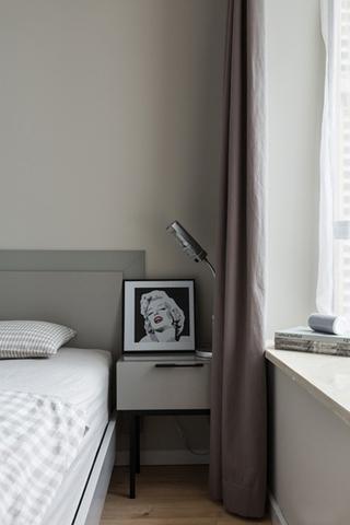 90平简约风格装修卧室窗帘图片