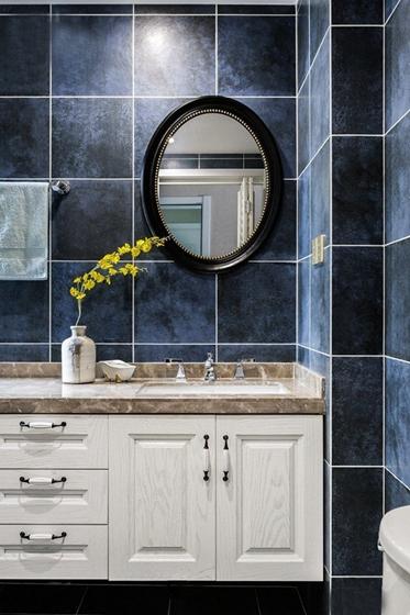 110平美式风格装修浴室柜图片