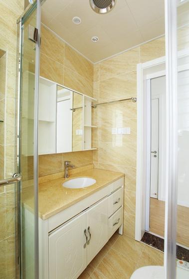 现代简约风格两居室装修浴室柜图片