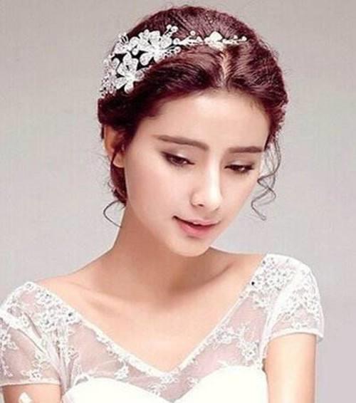 婚纱照头型常见有哪几种 怎么根据新娘头型做发型图片