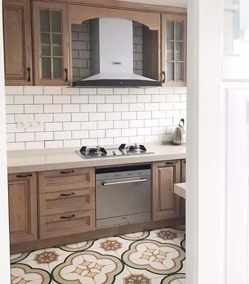 厨房地砖设计实景图